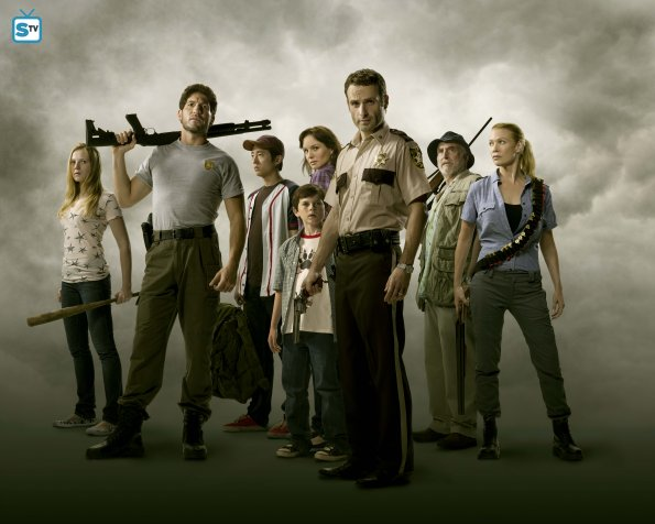 twd_publicity_8shot-02-1-_595_mini-logo-tv-white-gallery