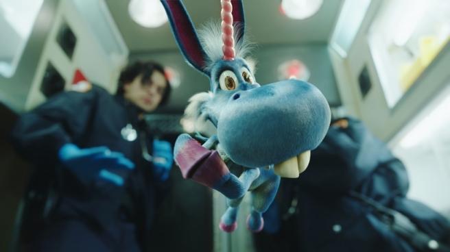 Happy-blue-horse-season-1-syfy