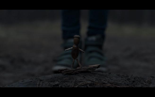 Dark S1Ep4 Acorn Figure