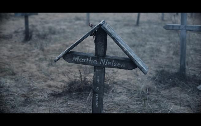 Dark 2-1 Martha grave