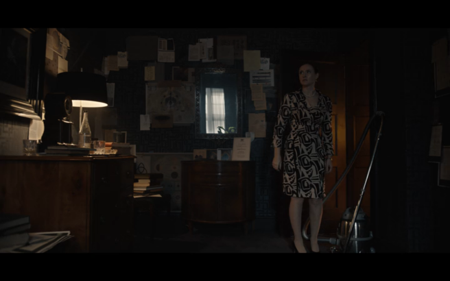 Dark S1Ep9 Regina in Stranger's Room