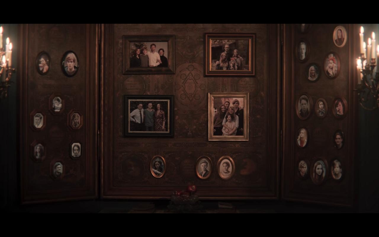 Dark S2Ep1 Adam's Family Tree Board