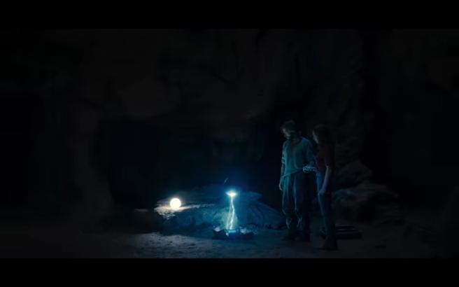 Dark S2Ep2 Jonas & Hannah in Cave