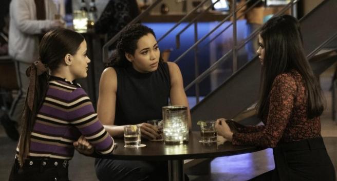 Charmed S2Ep12 Maggie Macy & Mel
