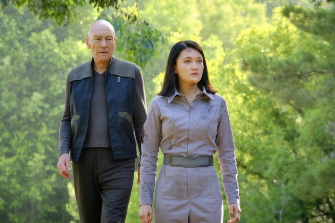 Star Trek Picard S1E7 Picard & Soji on Nepenthe