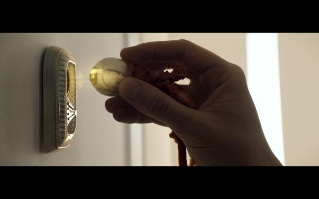 Star Trek Picard S1E10 Agnes Uses Saga's Eyeball to Unlock Door