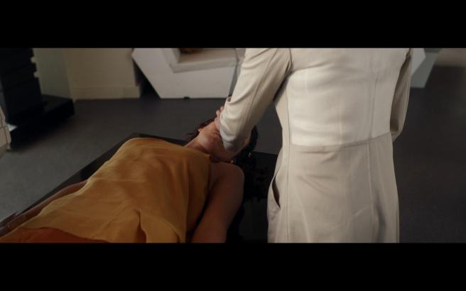 Star Trek Picard S1E10 Saga as a Faceless Broken Doll with Agnes as the Faceless Parent
