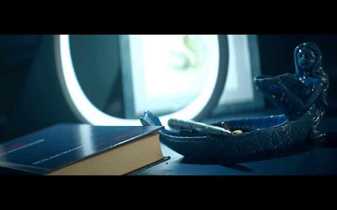 Star Trek Picard S1E8 Blue Surak Book & Blue Siren in Rios' Room