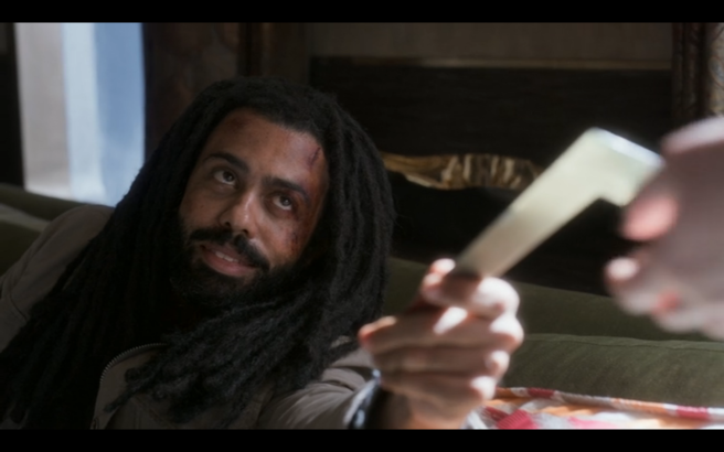 Snowpiercer S1Ep4 Andre Offers LJ the J-Hook