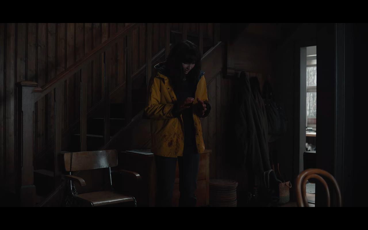 Dark S3Ep7 Bloody Yellow Raincoat Martha