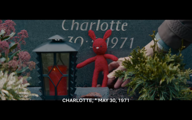 dark S3Ep7 Stuffed Animal on Grave