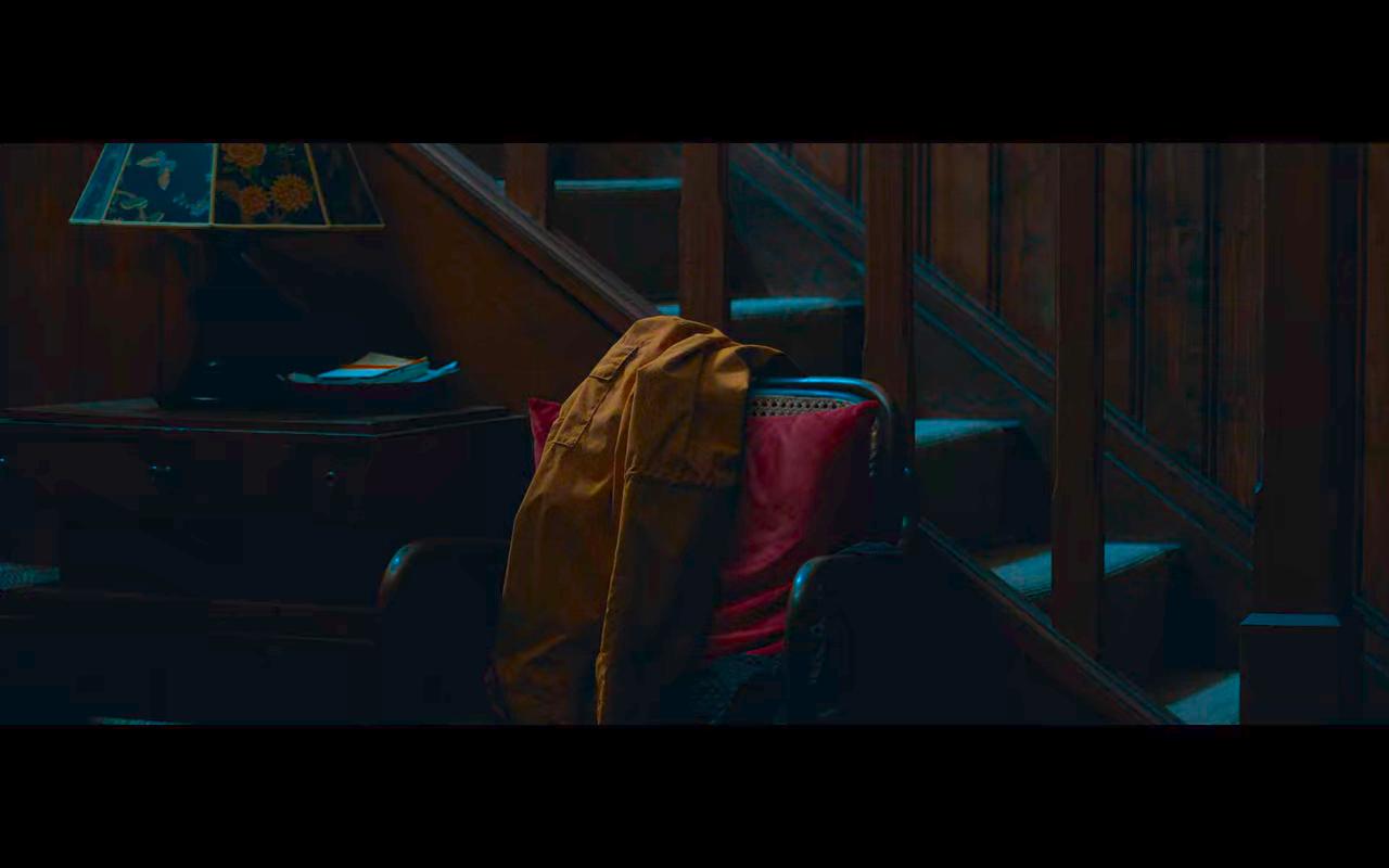 Dark S3Ep8 Origin World Yellow Raincoat Red Pillow & Blue Butterflies