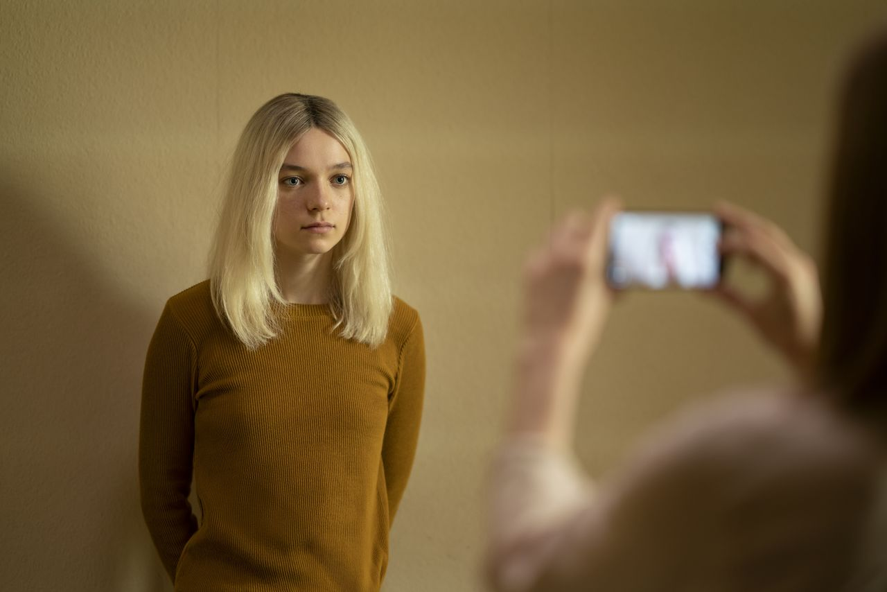 hanna-season-2-promotional-photos-23