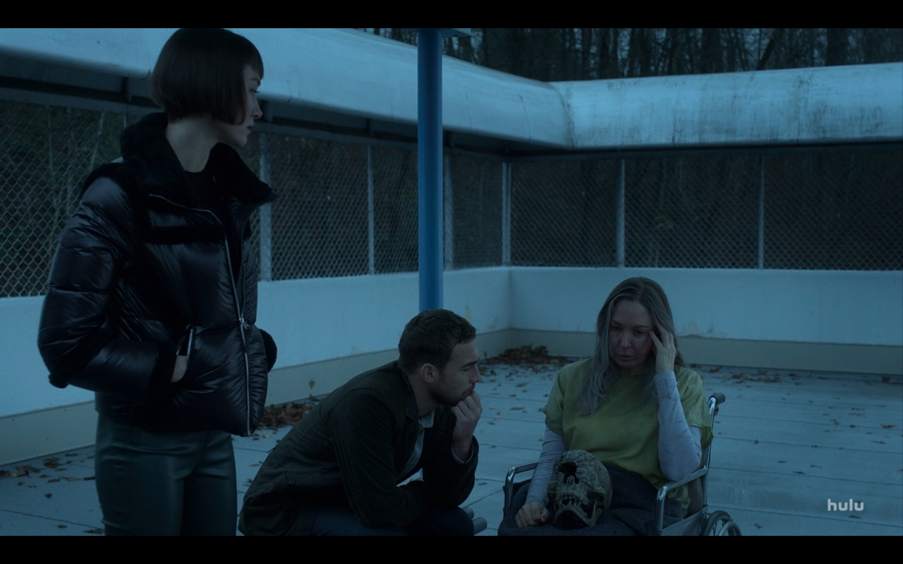 Helstrom S1Ep5 Ana Daimon & Victoria Outside with Skull