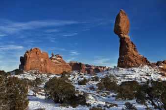 balanced-rock-formation-sandstone-winter