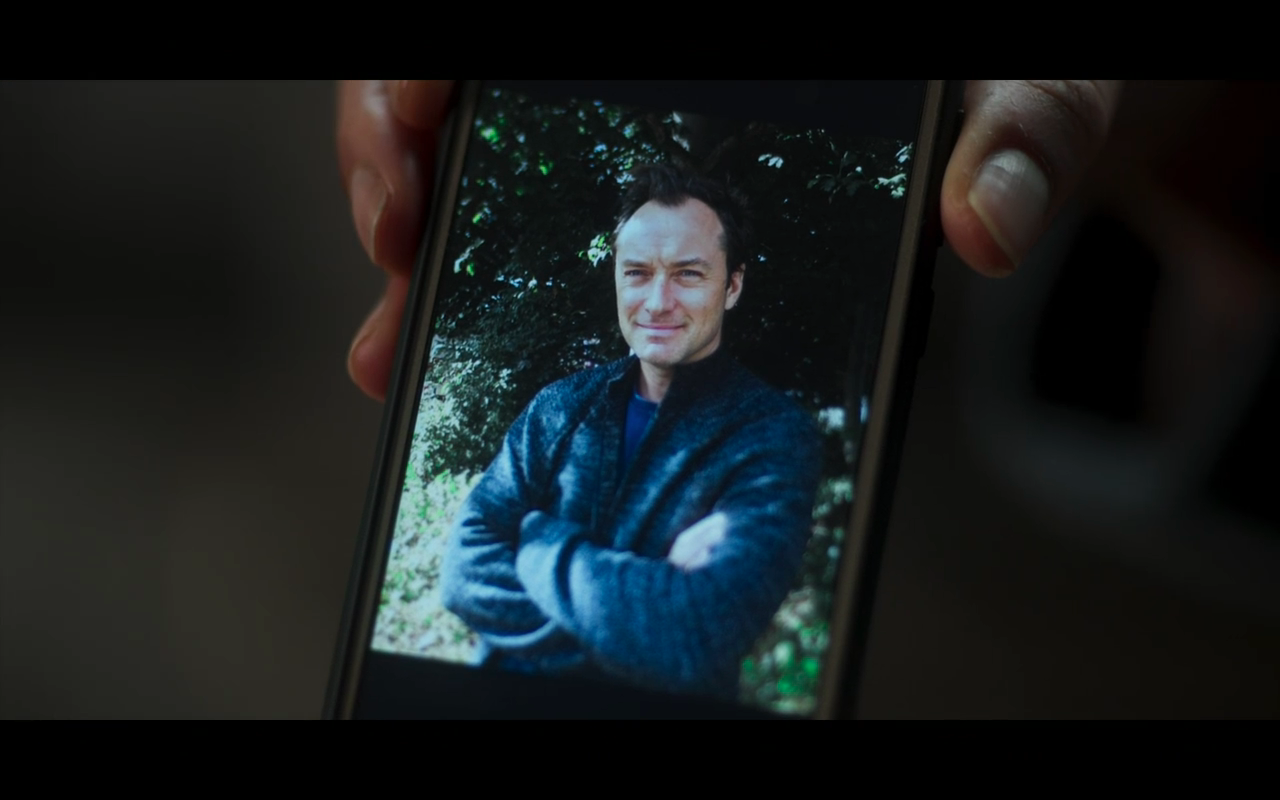 The Third Day S1Ep5 Sam in Phone