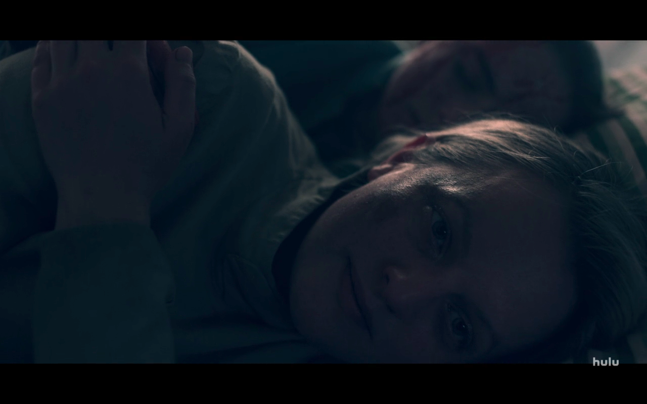 The Handmaid's Tale S4Ep1 June Hold's Mrs Keyes' Hand