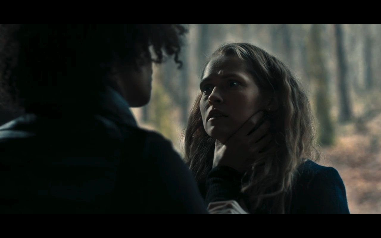 Discovery of Witches S1Ep7 Juliet Holds Diana's Throat